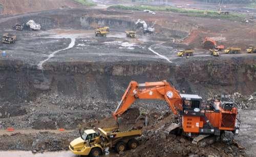 扩建计划主体的巴拿马运河第三船闸建造工程上月底