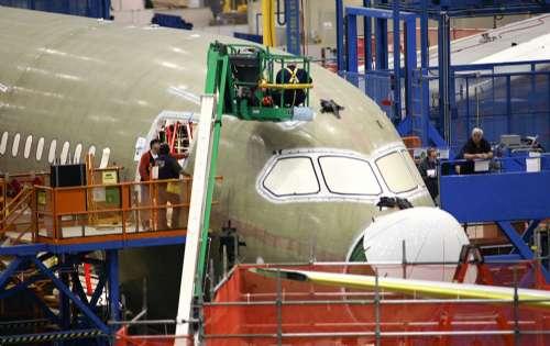 """后,787""""梦幻型""""飞机的装配回复稳定生产; 波音被取消31架787订单"""