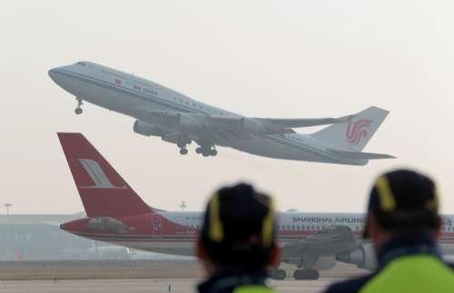 中国客机完成绿色飞行(附图)