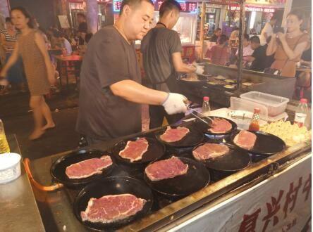 李刚复兴村牛排,中国街头饮食文化的传承荟萃